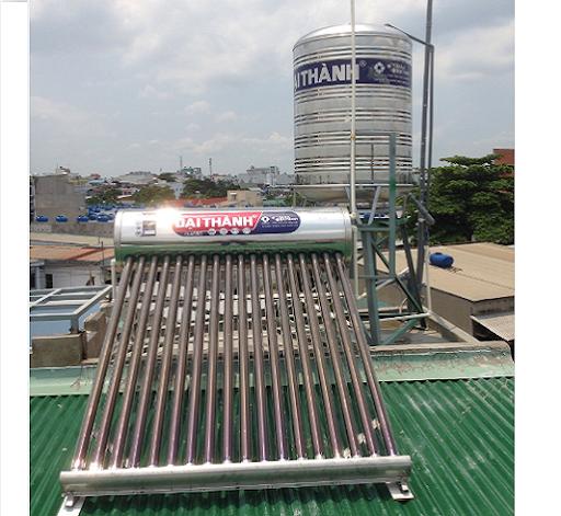 Lắp đặt bình nước nóng năng lượng mặt trời trên mái nhà